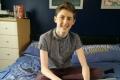 别人的世界-15岁少年靠玩游戏创办公司
